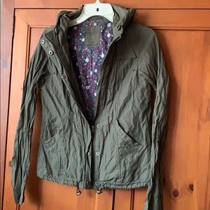 Army green hooded Arie jacket sz sm, lightweight